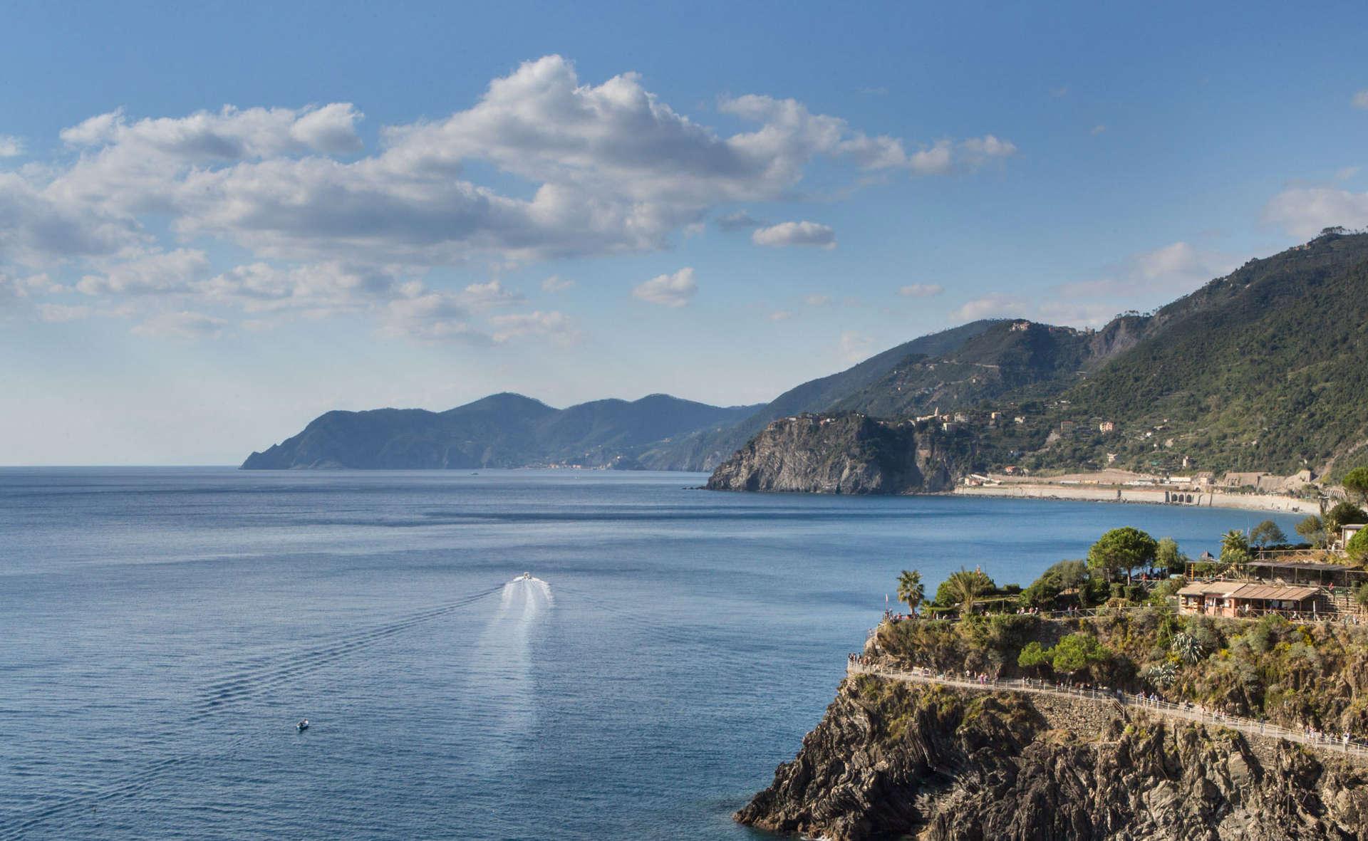 Hotel marina di monterosso al mare cinque terre for Appart hotel 5 terres